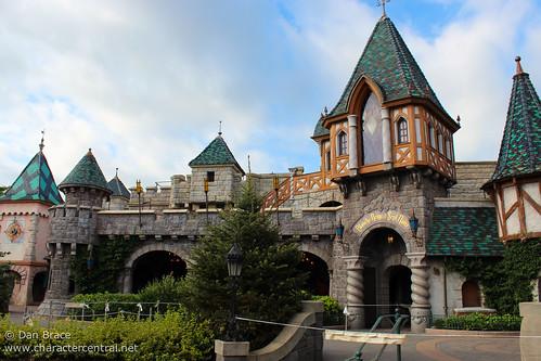 Wandering thru Fantasyland