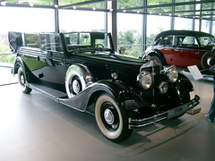 packard super eight(0.0), rolls-royce phantom ii(0.0), rolls-royce silver ghost(0.0), touring car(0.0), cadillac v-16(0.0), automobile(1.0), packard 120(1.0), rolls-royce phantom iii(1.0), vehicle(1.0), antique car(1.0), vintage car(1.0), land vehicle(1.0), luxury vehicle(1.0), convertible(1.0), motor vehicle(1.0),