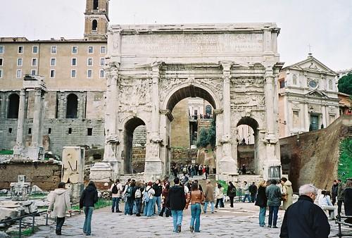 2004.02.27.042 - ROMA - Foro Romano - Arco di Settimio Severo