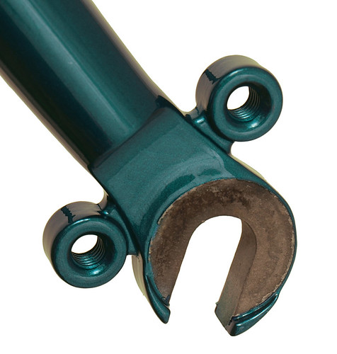 <p>Front stainless steel dropout on the Gunnar Grand Tour painted Teal</p>