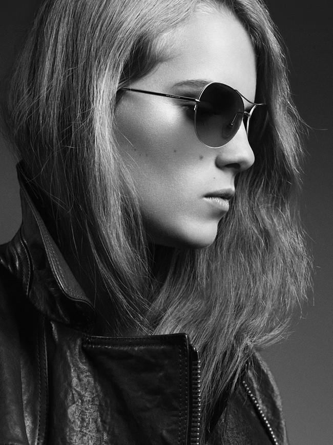 04075b8d47f DressCode HighFashion  Marika Hackman for Burberry Eyewear