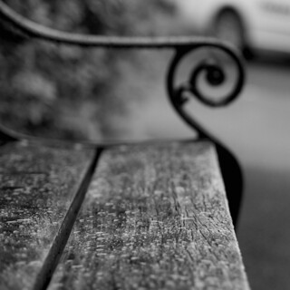 Black&white bench