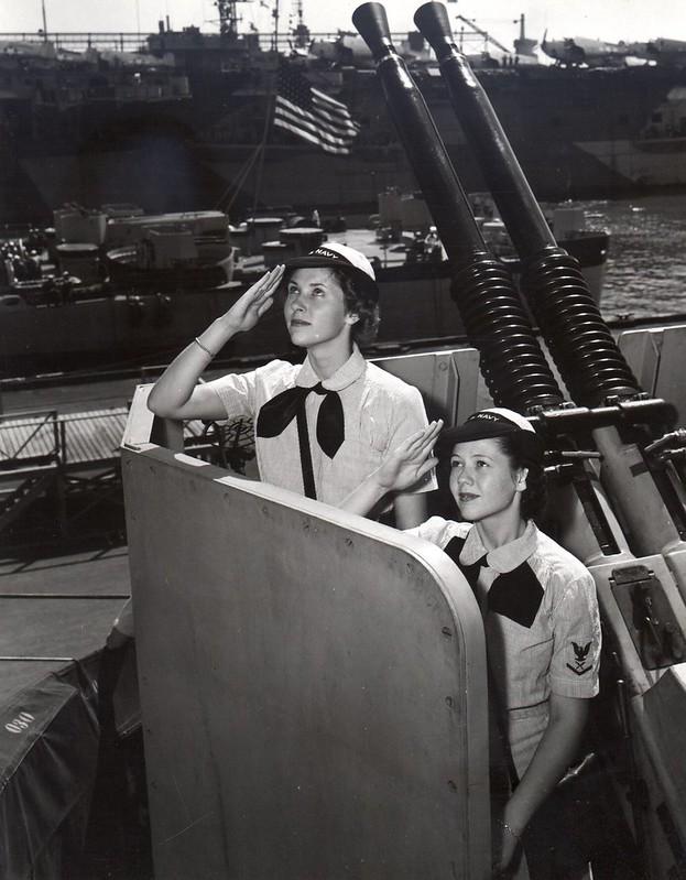 WAVES visiting USS Missouri 1