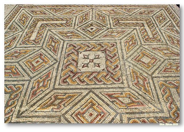 Mosaico romano de conimbriga flickr photo sharing for Mosaico romano