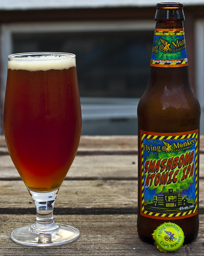 Review: Flying Monkeys' Smashbomb Atomic IPA by Cody La Bière