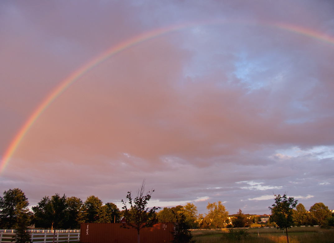 CRW_4000 rainbow