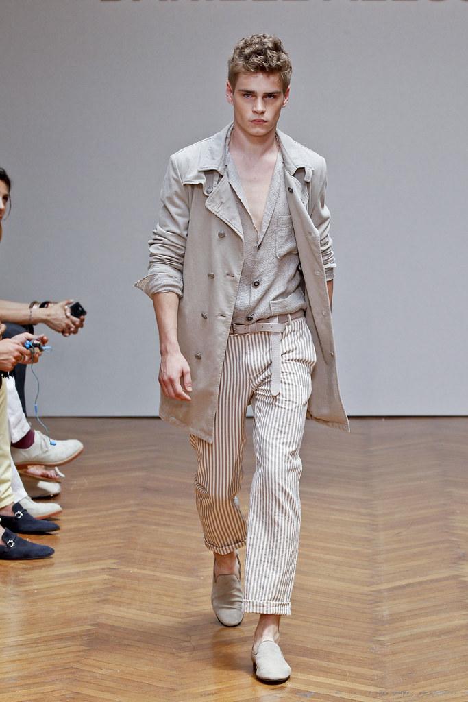 SS13 Milan Daniele Alessandrini020_Ralf Javoiss(fashionising.com)
