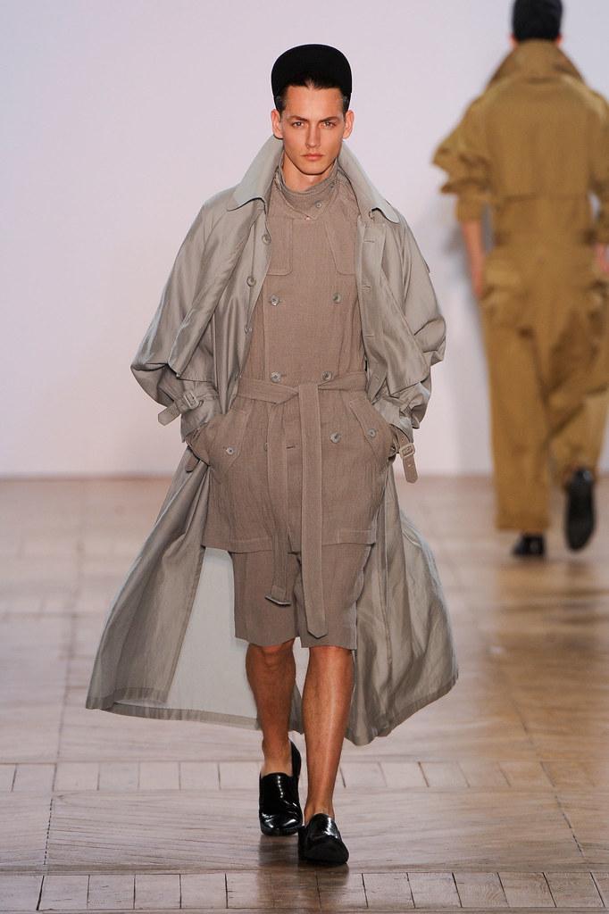 SS13 Paris Juun J.023_Jakob Hybholt(fashionising.com)