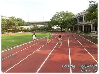 120701-三小人賽跑