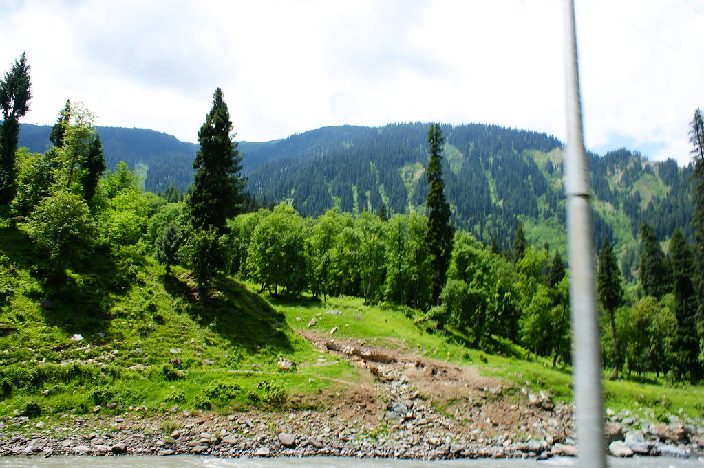 """MJC Summer 2012 Excursion to Neelum Valley with the great """"LIBRA"""" and Co - 7608699522 aa359ab450 b"""