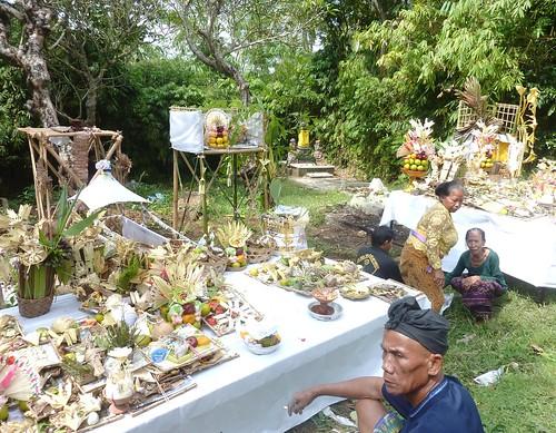 Bali-Funéraille hindoues-Après la crémation (2)