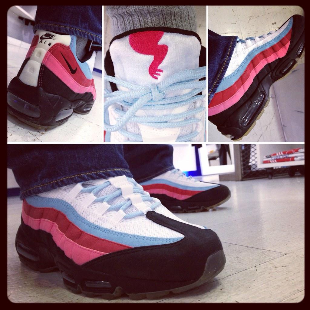 ... Nike Air Max 95 x Parra  Running Man   White   Black - Blue afb979f6c