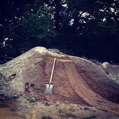 インディゴレーンにこんなヒップ完成。#bmx #trails