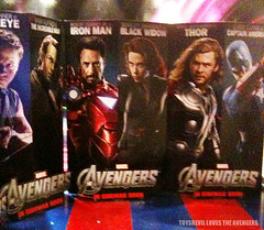 AVENGERS-STANDEES-02