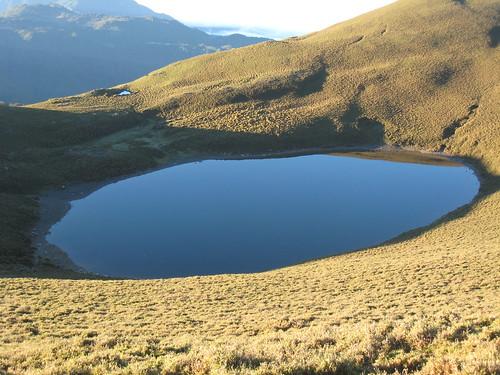 台灣最美的高山湖之一:嘉明湖。