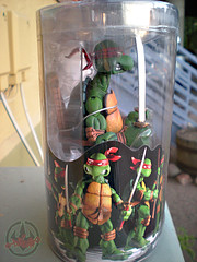 "NECA TEENAGE MUTANT NINJA TURTLES :: ""LEONARDO""  Tube Pack iii  (( 2008 ))"