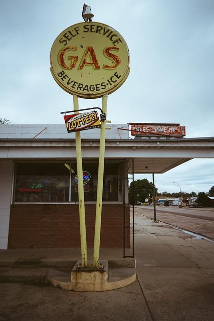 GAS. Gordon, NE