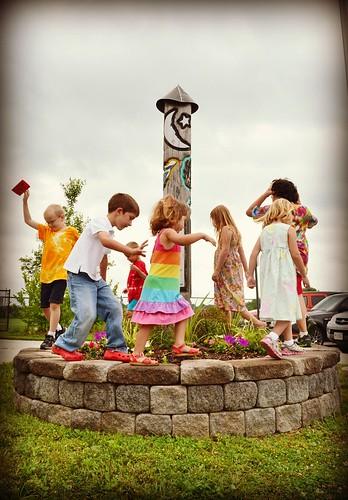 dance around the peace pole by oyabakamama