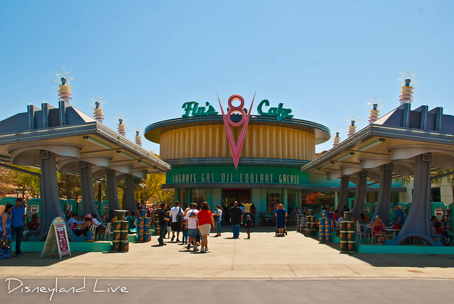 Cars Land - Flo's V8 Cafe