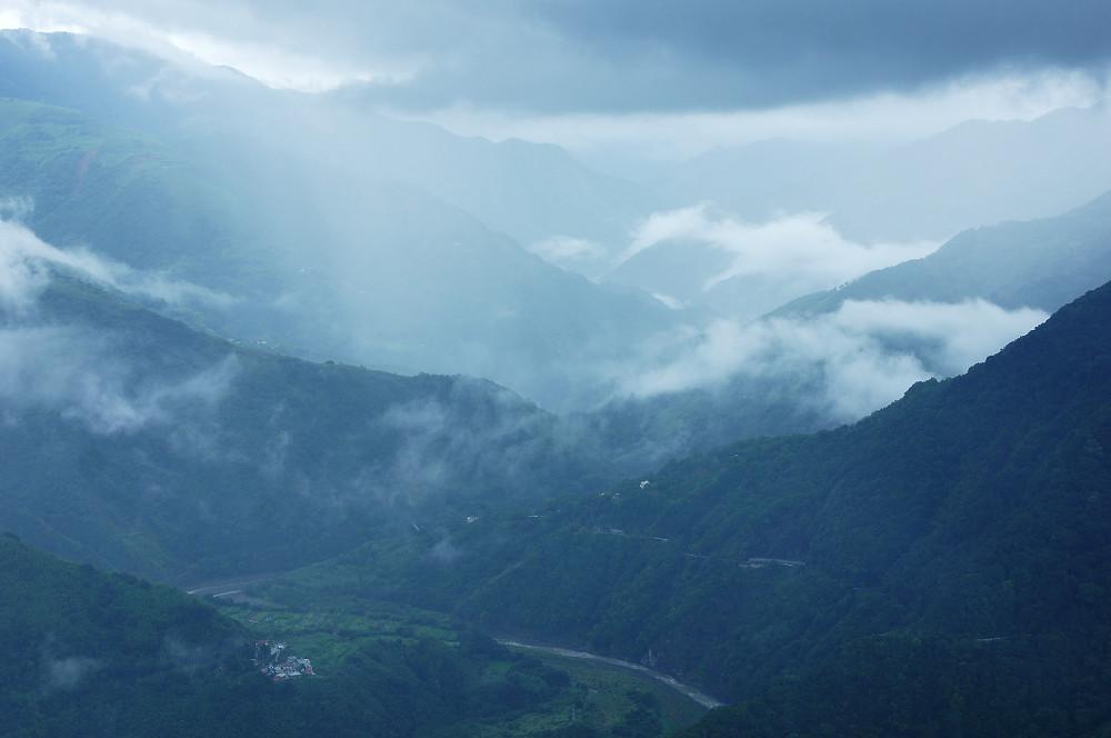 巨木群,與往拉拉山的路上-092