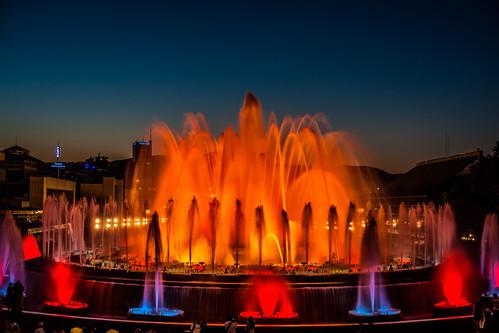 Las 10 fuentes m s bellas y espectaculares del mundo for Espectaculo fuentes de montjuic