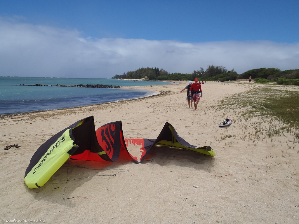 Adventure travel blogger Dave detangles lines for kiteboarding