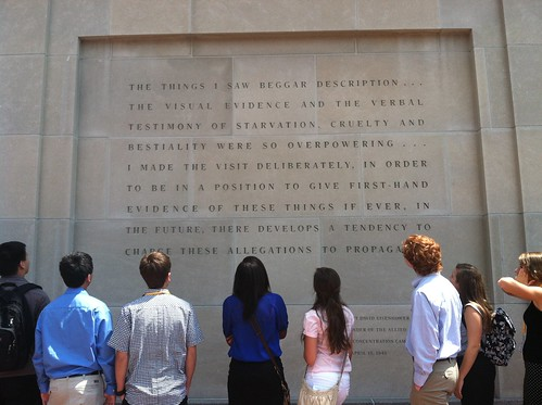 NSLC LAWA Students Visit the Holocaust Museum