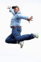 sports(0.0), chinese martial arts(0.0), jumping(1.0), hip-hop dance(1.0), modern dance(1.0), dance(1.0),