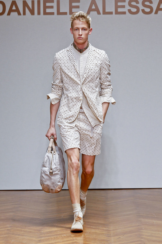 SS13 Milan Daniele Alessandrini005(fashionising.com)