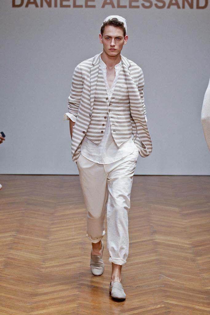 SS13 Milan Daniele Alessandrini010_Jakob Hybholt(fashionising.com)