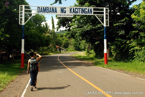 Walk to the Dambana ng Kagitingan (Shrine of Valor) at Mount Samat, Pilar, Bataan