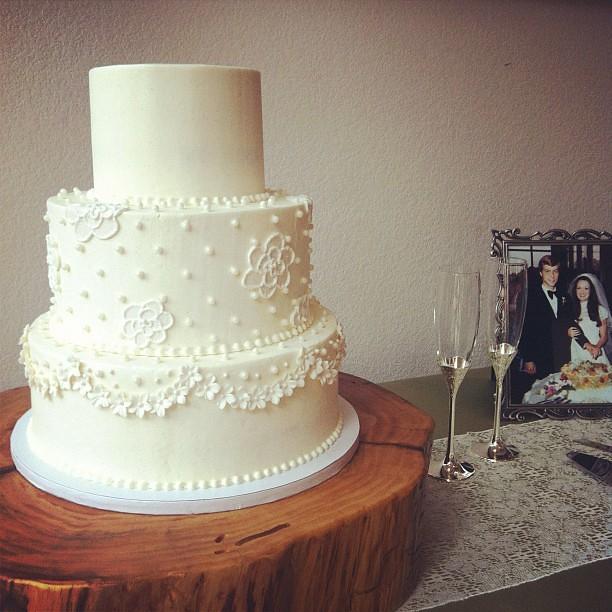 Lace Wedding Cake Austin Wedding W Megandileen Flickr Photo