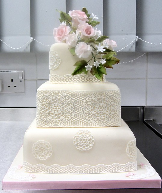 3 Tier Square Wedding Cake With Sugarveil Roses And Sweet Peas Flickr Ph
