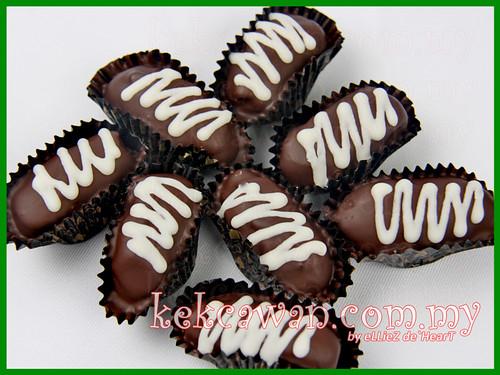 Kurma Coklat Badam - Loose pack