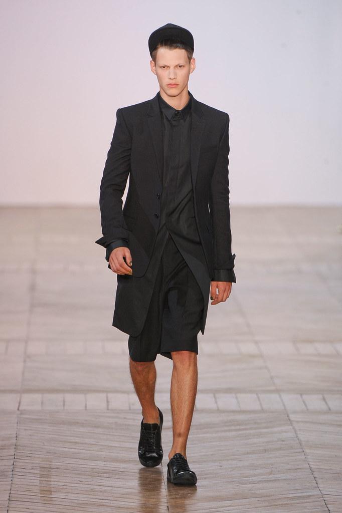 SS13 Paris Juun J.004_Nemanja Maksic(fashionising.com)