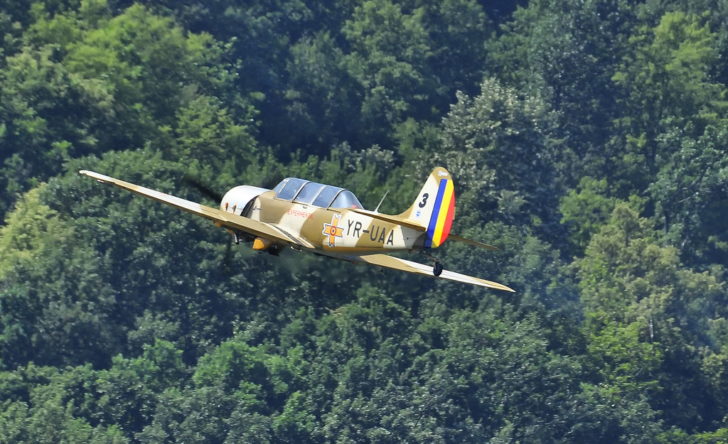 AeroNautic Show Surduc 2012 - Poze 7523030554_769f0ea613_b
