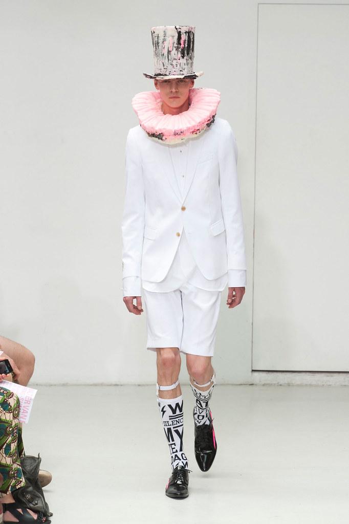 Bart Grein3089_SS13 Paris Walter Van Beirendonck(fashionising.com)