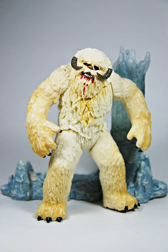 Wampa (2003) with Luke Skywalker (VOTC)