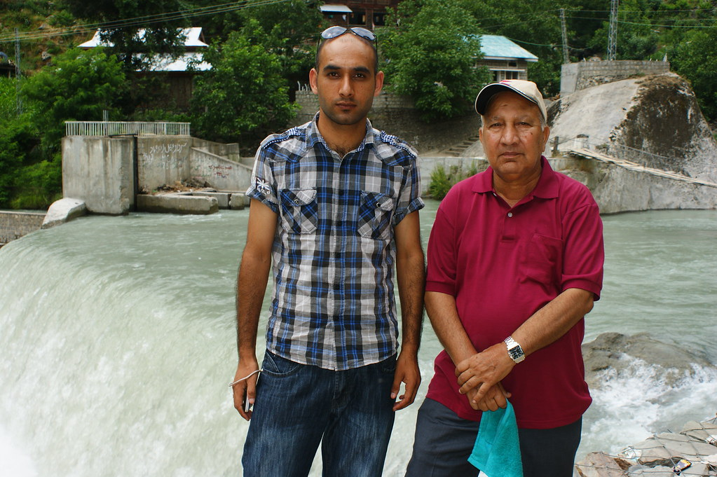 """MJC Summer 2012 Excursion to Neelum Valley with the great """"LIBRA"""" and Co - 7584206834 39c0a33e82 b"""