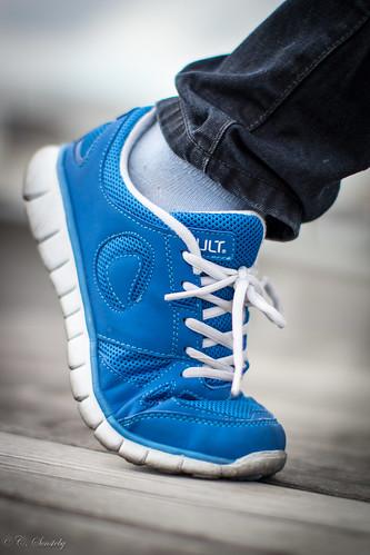 blue closeup canon shoe sneakers laces canon60d ef50mmf12lusm canoneos60d