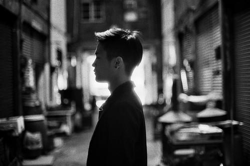 [フリー画像素材] 人物, 男性, 男性 - アジア, 人物 - 横顔・横を向く, モノクロ ID:201205010000