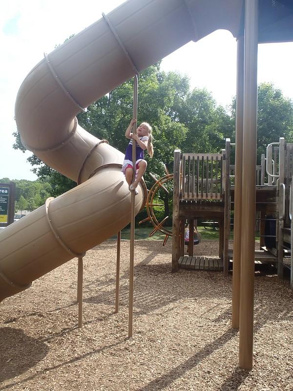 Vivianne climbing!