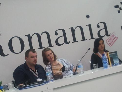 SalTo12 11MAY (11) Incontro con Lucian Dan Teodorovici - Presentazione libro Un altro giro, sciamano (Aìsara 2012) foto cortesia di aisara.eu
