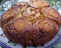 sticky buns by Teckelcar