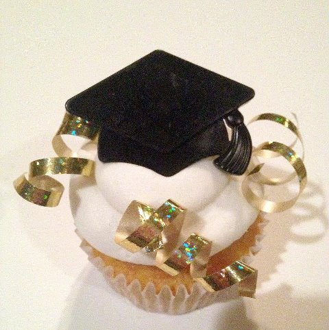 Cupcakes Take The Cake: 5 graduation cupcakes to celebrate the Class