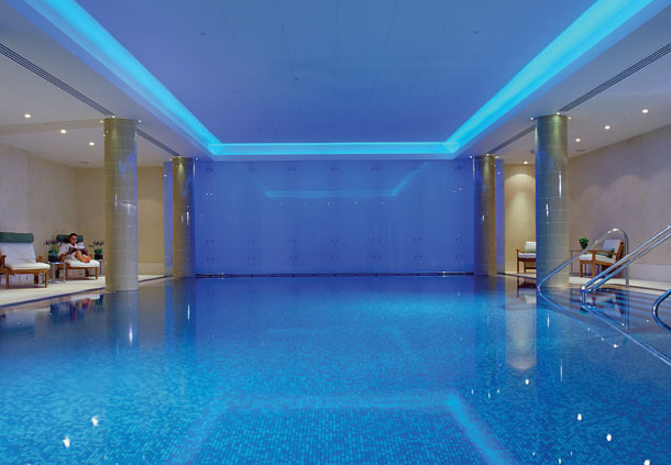 London Hotel With Swimming Pool Flickr Photo Sharing