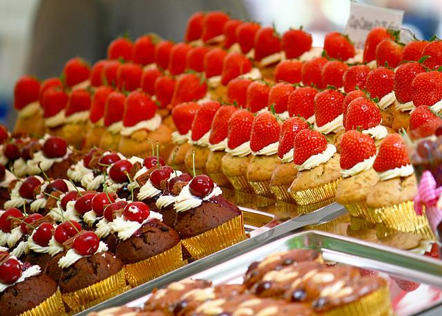 market - cakes