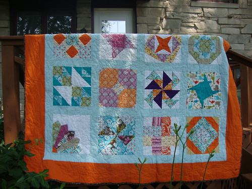 http://confessionsofafabricaddict.blogspot.com/2012/05/hands2help-show-off-your-quilts.html         Sending to Sarah for H2H for the NOLA project !