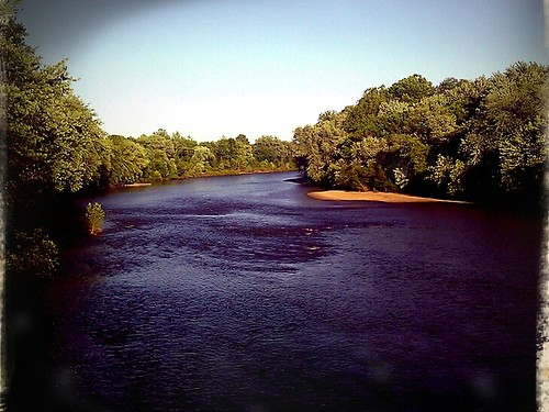 Raritan River (by: johncatral, creative commons)
