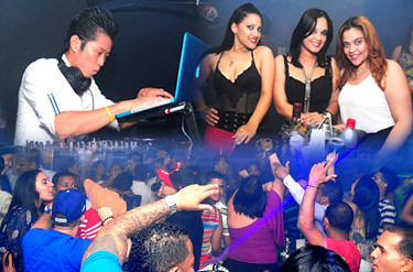 Viernes Full+Dj Chino Bass @ Sober Lounge